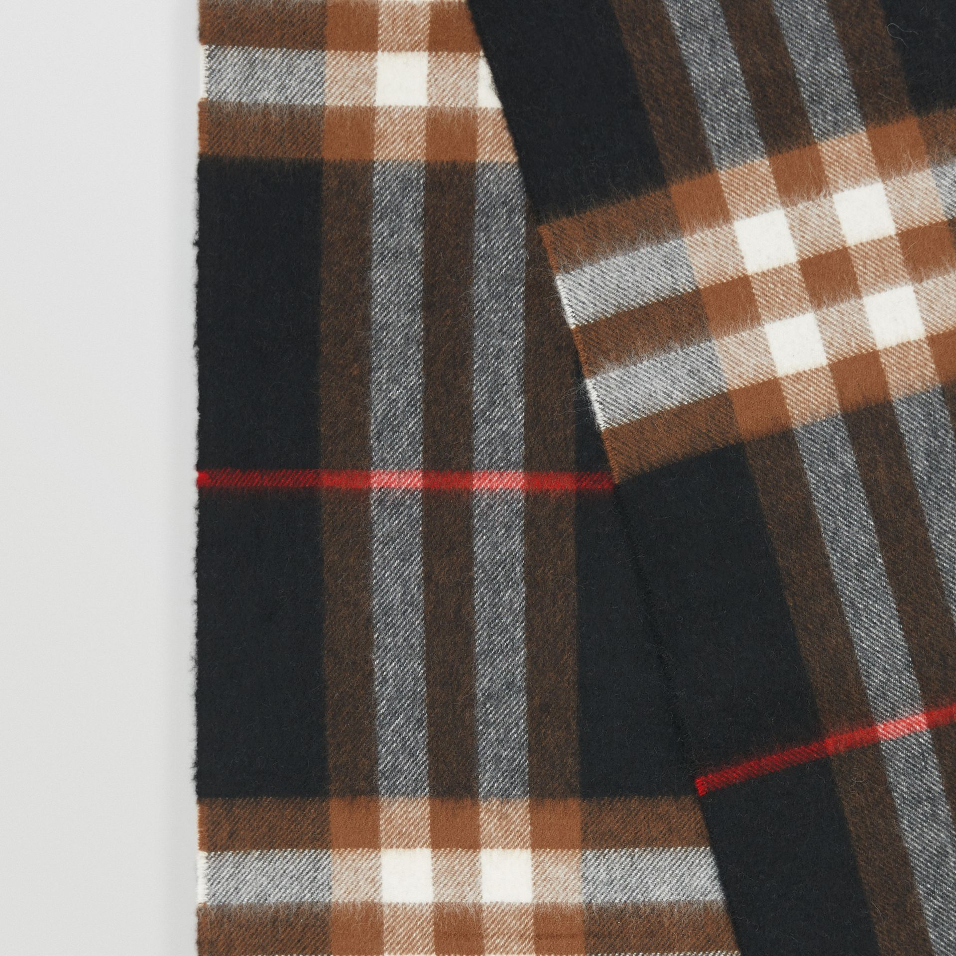 The Classic Check Cashmere Scarf in Black/brown | Burberry - gallery image 1