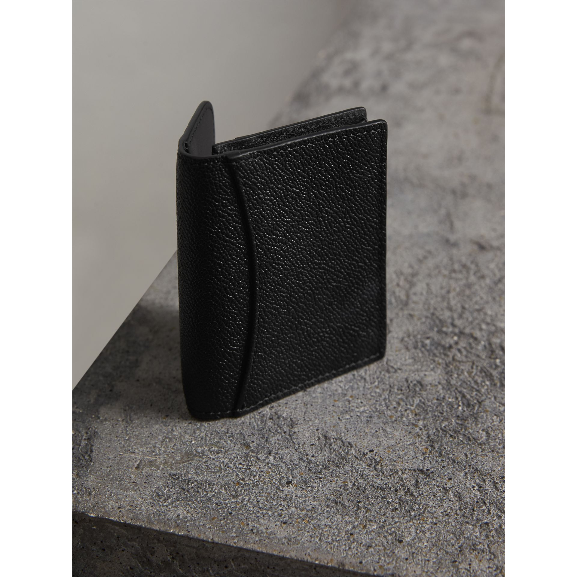 Grainy Leather Card Case in Black - Women | Burberry - gallery image 3