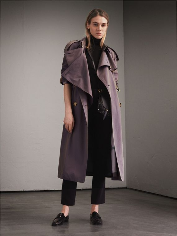 Trench coat in gabardine tropicale