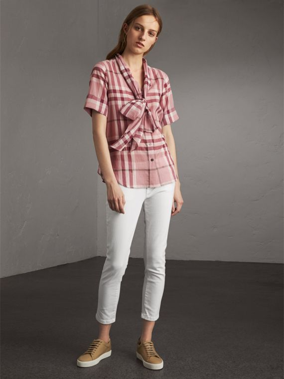 Short-sleeve Check Cotton Tie Neck Shirt in Antique Pink