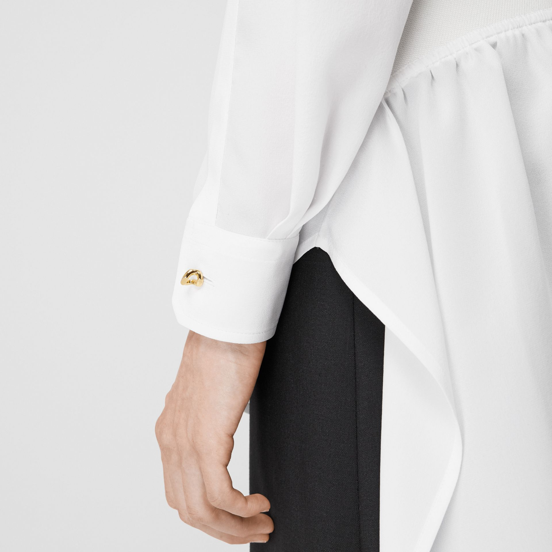 Seidenbluse mit Logo- und Cutout-Detail (Optic-weiß) - Damen | Burberry - Galerie-Bild 4