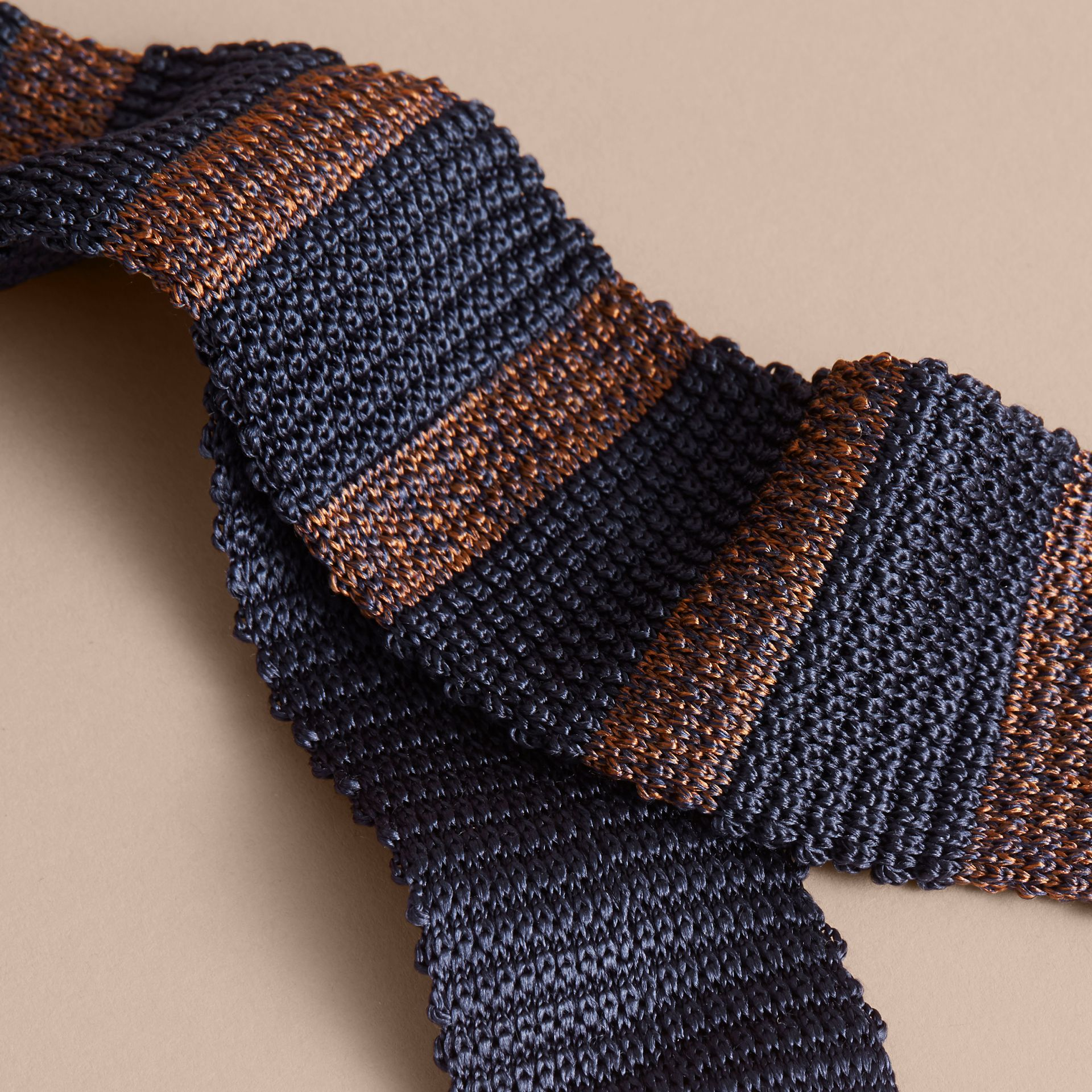Slim Cut Two-tone Knitted Silk Tie in Navy - gallery image 2