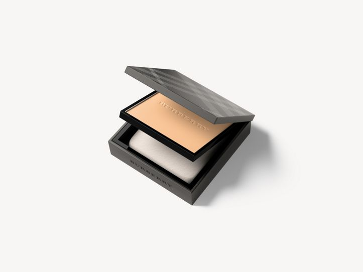 Burberry Cashmere Compact - Light Honey No.10