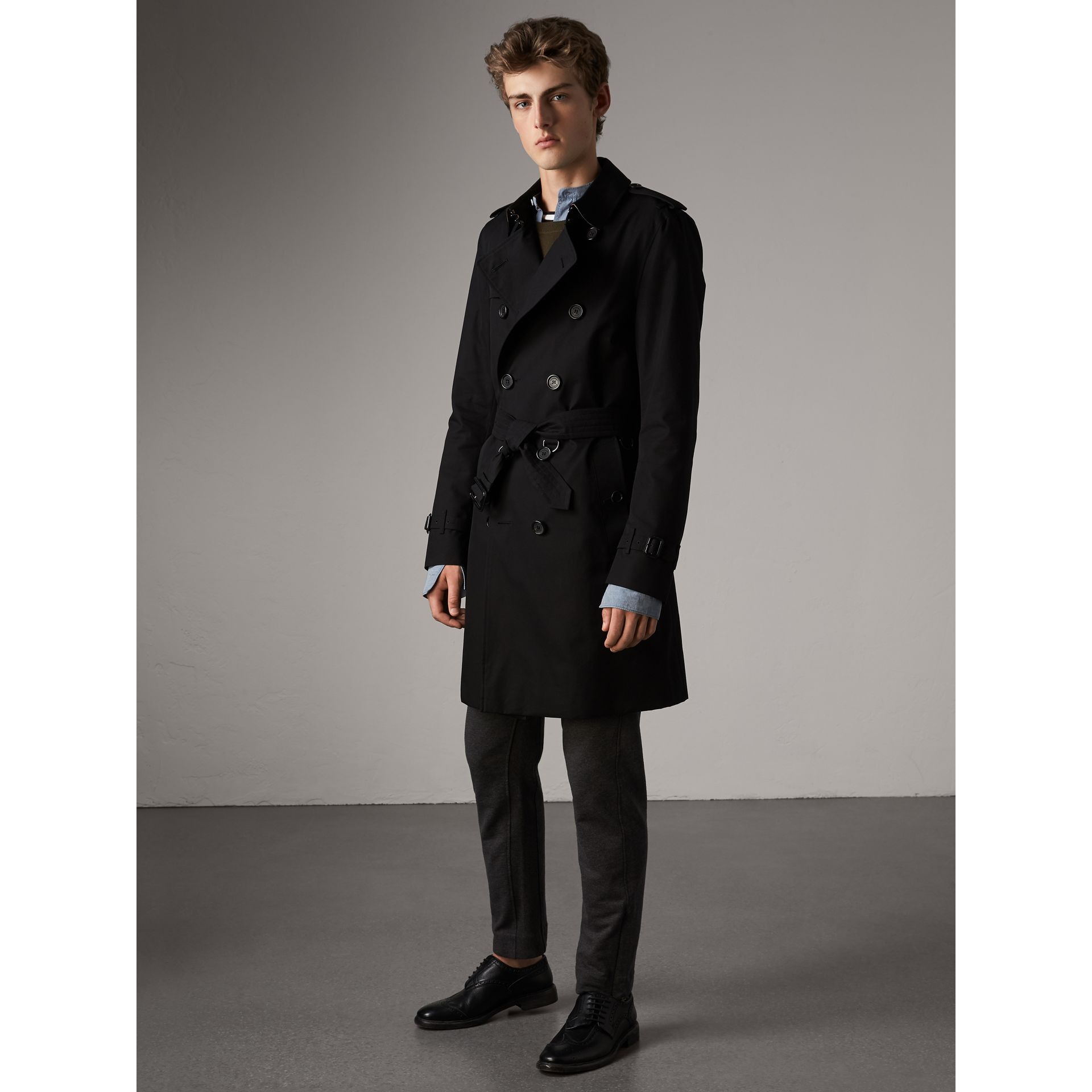 The Kensington – Long Trench Coat in Black - Men | Burberry Canada - gallery image 7