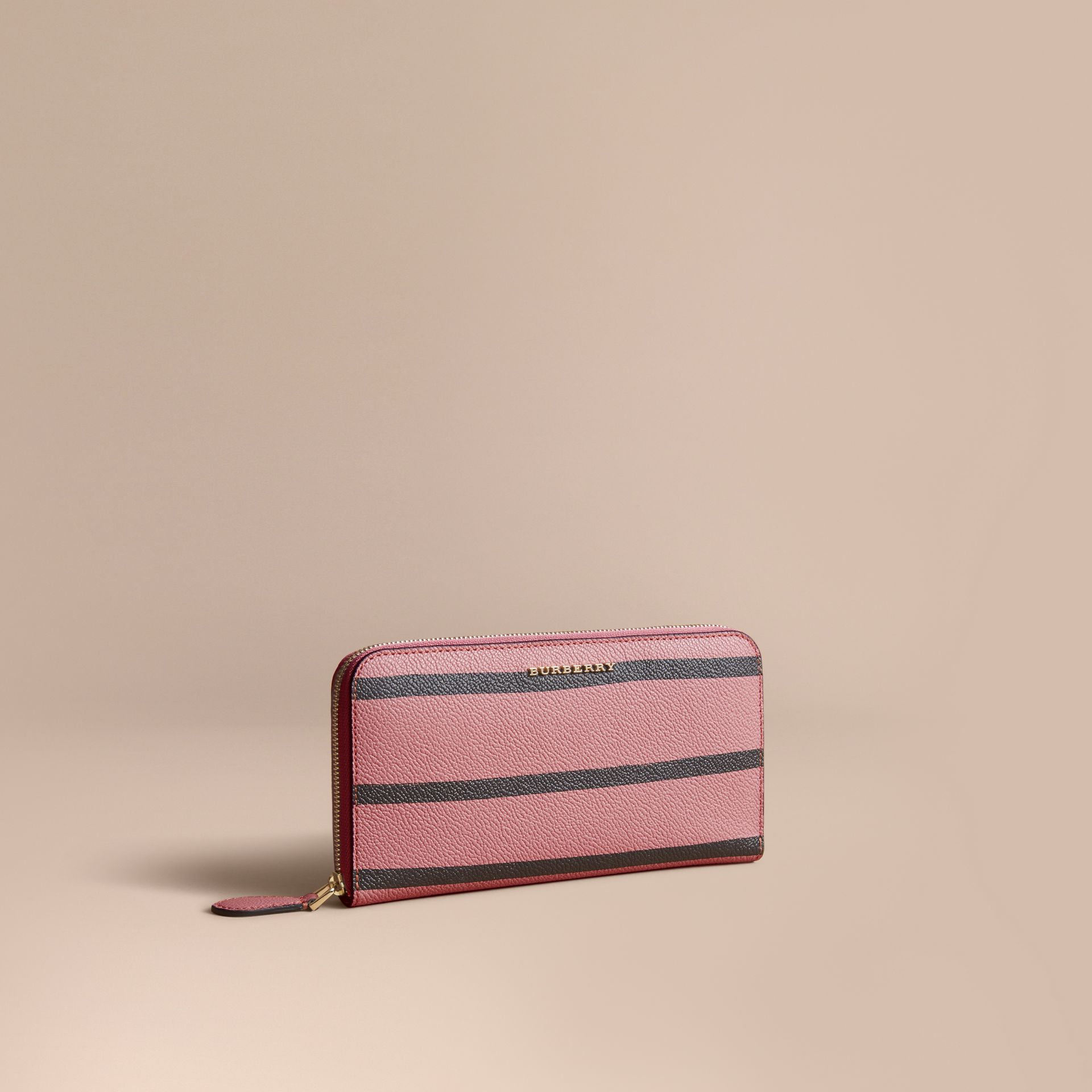 Trompe L'oeil Print Leather Ziparound Wallet in Dusty Pink - Women | Burberry - gallery image 2