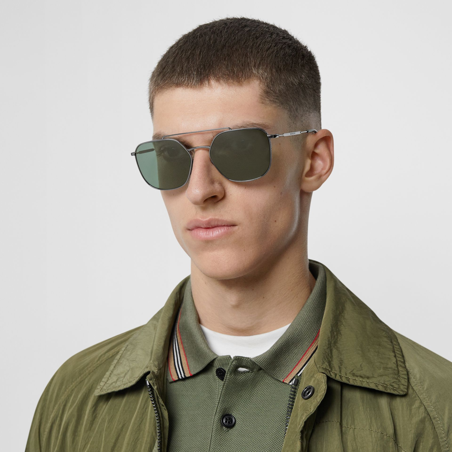Top Bar Detail Square Pilot Sunglasses in Gunmetal Grey - Men | Burberry United States - gallery image 2