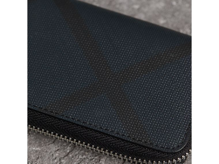 London Check Ziparound Coin Case in Navy/black - Men | Burberry Canada - cell image 1
