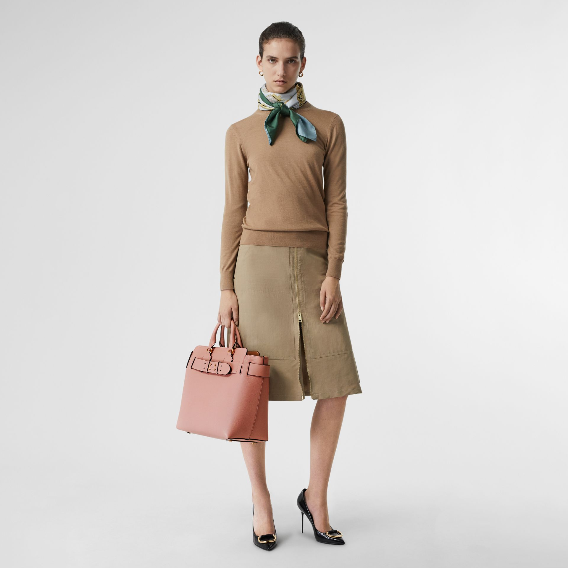 The Medium Leather Belt Bag in Ash Rose - Women | Burberry United Kingdom - gallery image 2