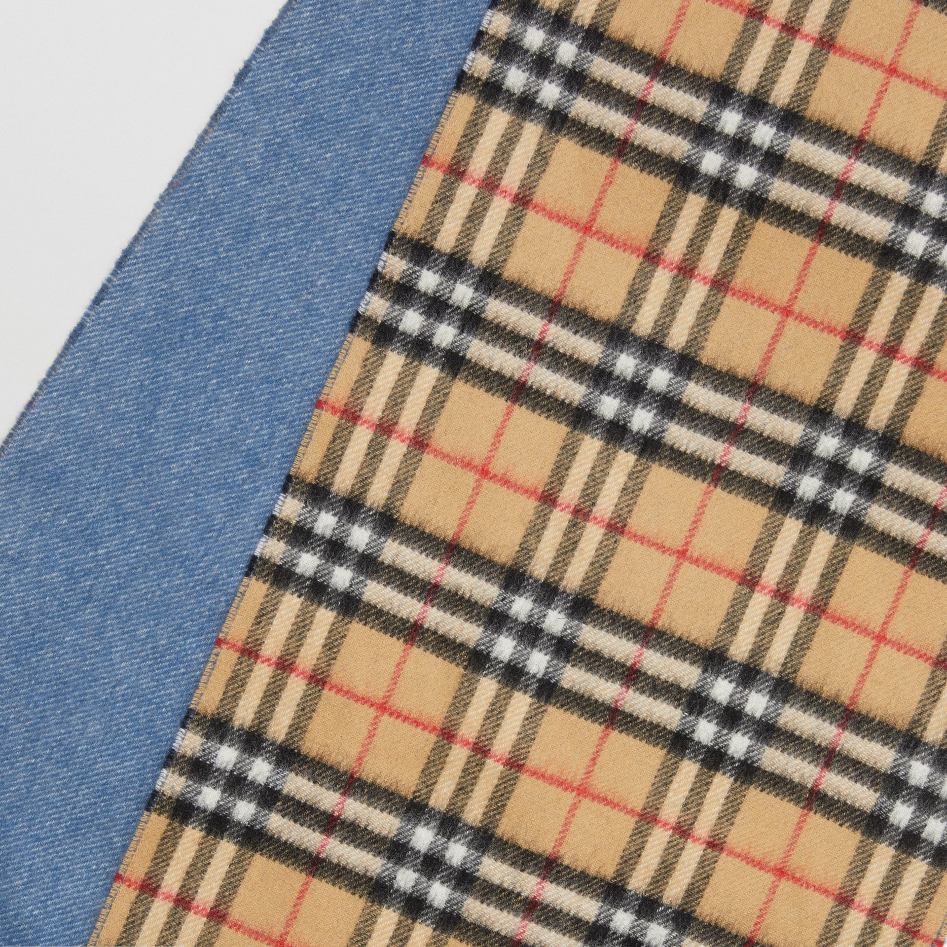 Long Reversible Vintage Check Double-faced Cashmere Scarf in Stone Blue | Burberry United Kingdom - gallery image 1