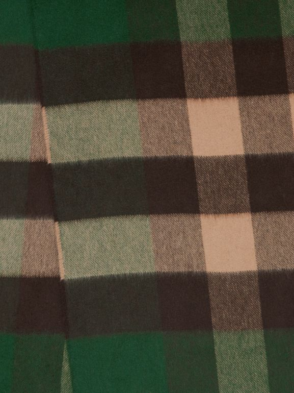 Check Cashmere Scarf in Dark Pine Green | Burberry United Kingdom - cell image 1