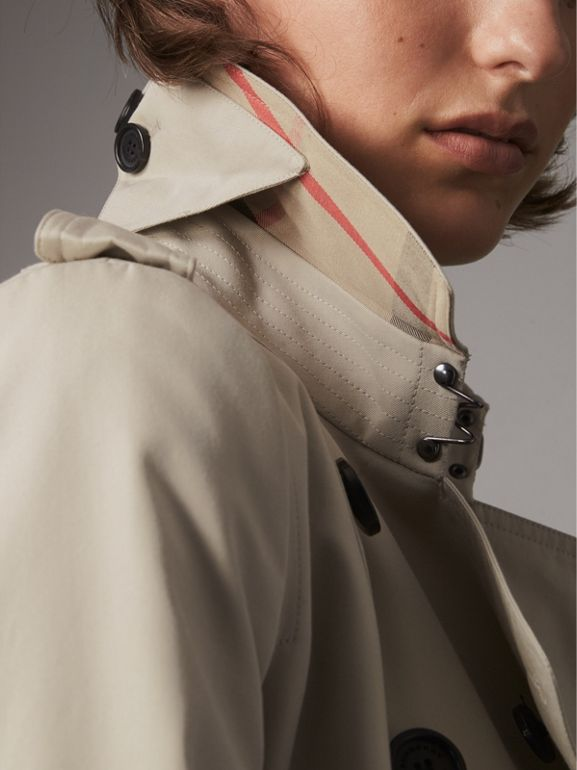 The Chelsea – Long Trench Coat in Stone - Women | Burberry United States - cell image 1