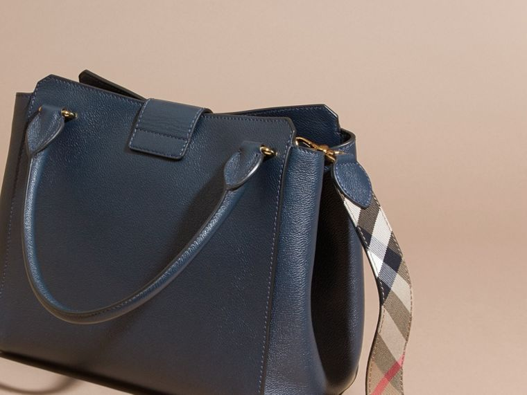 The Medium Buckle Tote in Grainy Leather Blue Carbon - cell image 4