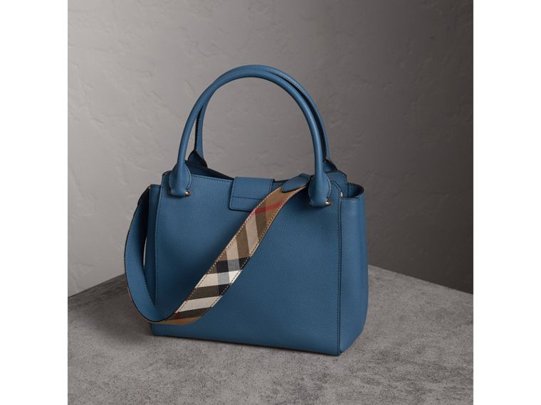 The Medium Buckle Tote in Grainy Leather in Steel Blue - Women | Burberry Australia - cell image 4
