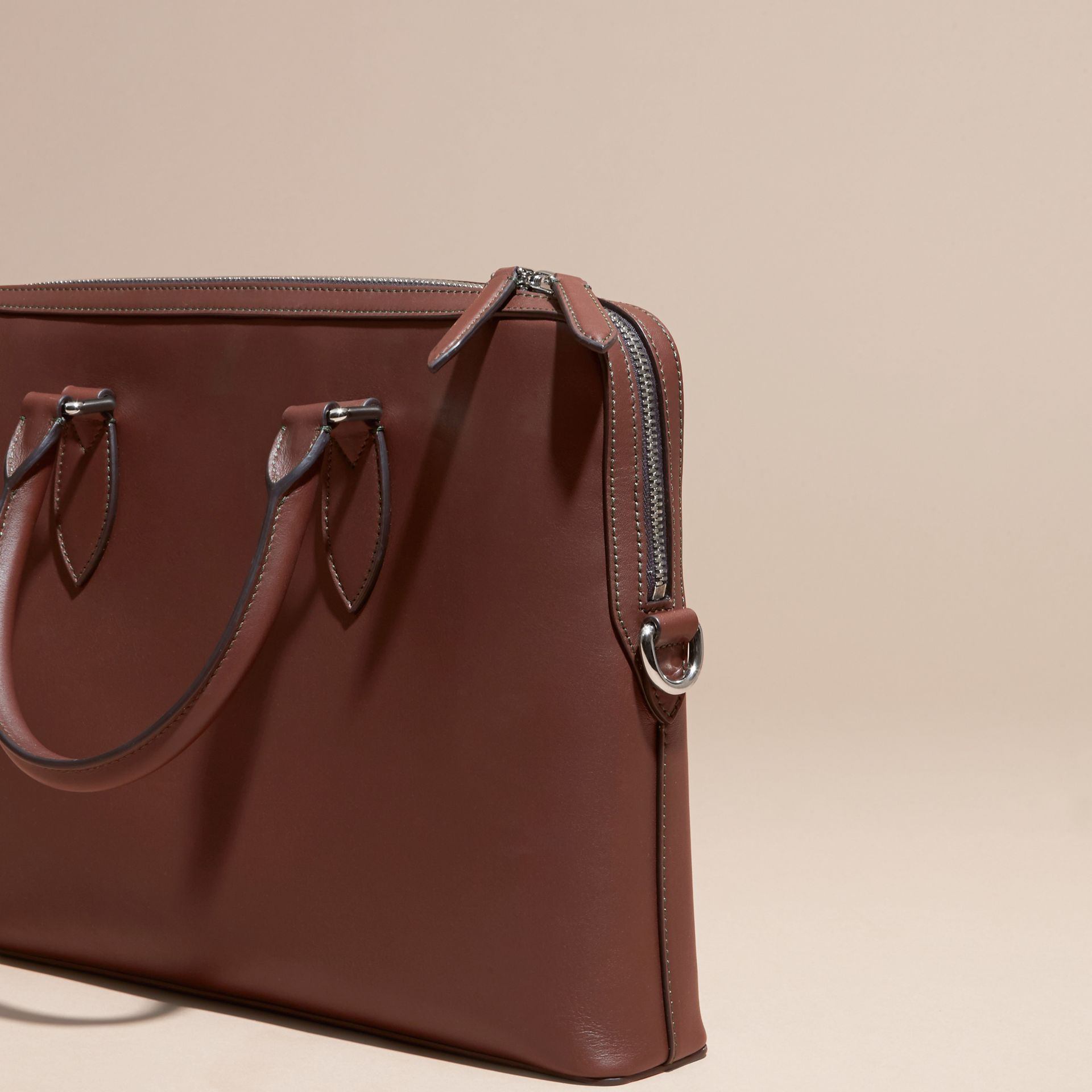 White/sepia brown The Slim Barrow Bag in Smooth Leather - gallery image 4
