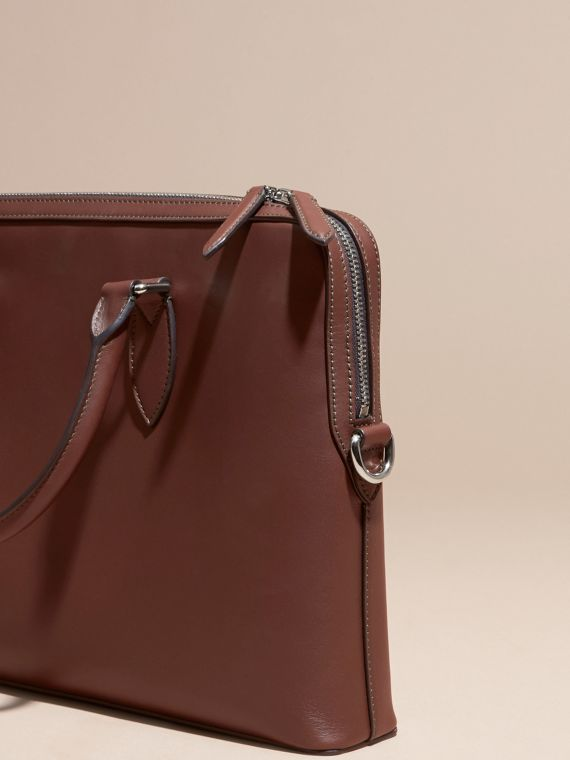White/sepia brown The Slim Barrow Bag in Smooth Leather - cell image 3