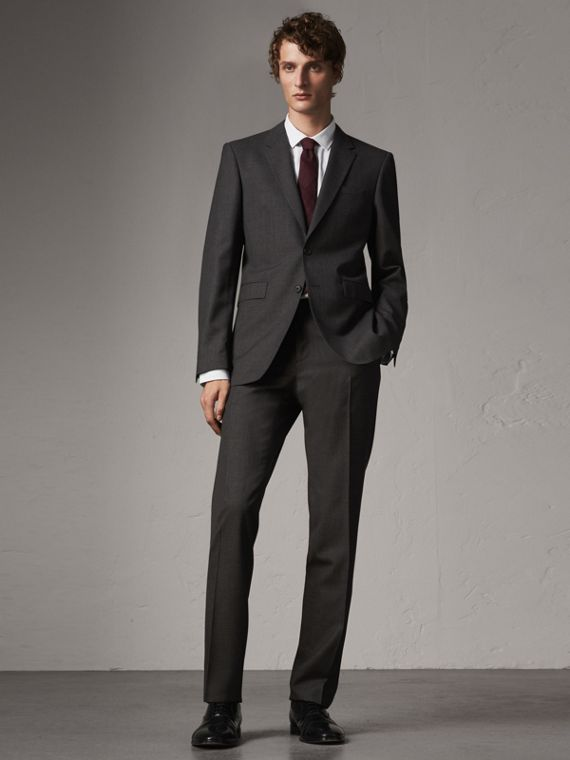 Modern Fit Wool Suit in Charcoal