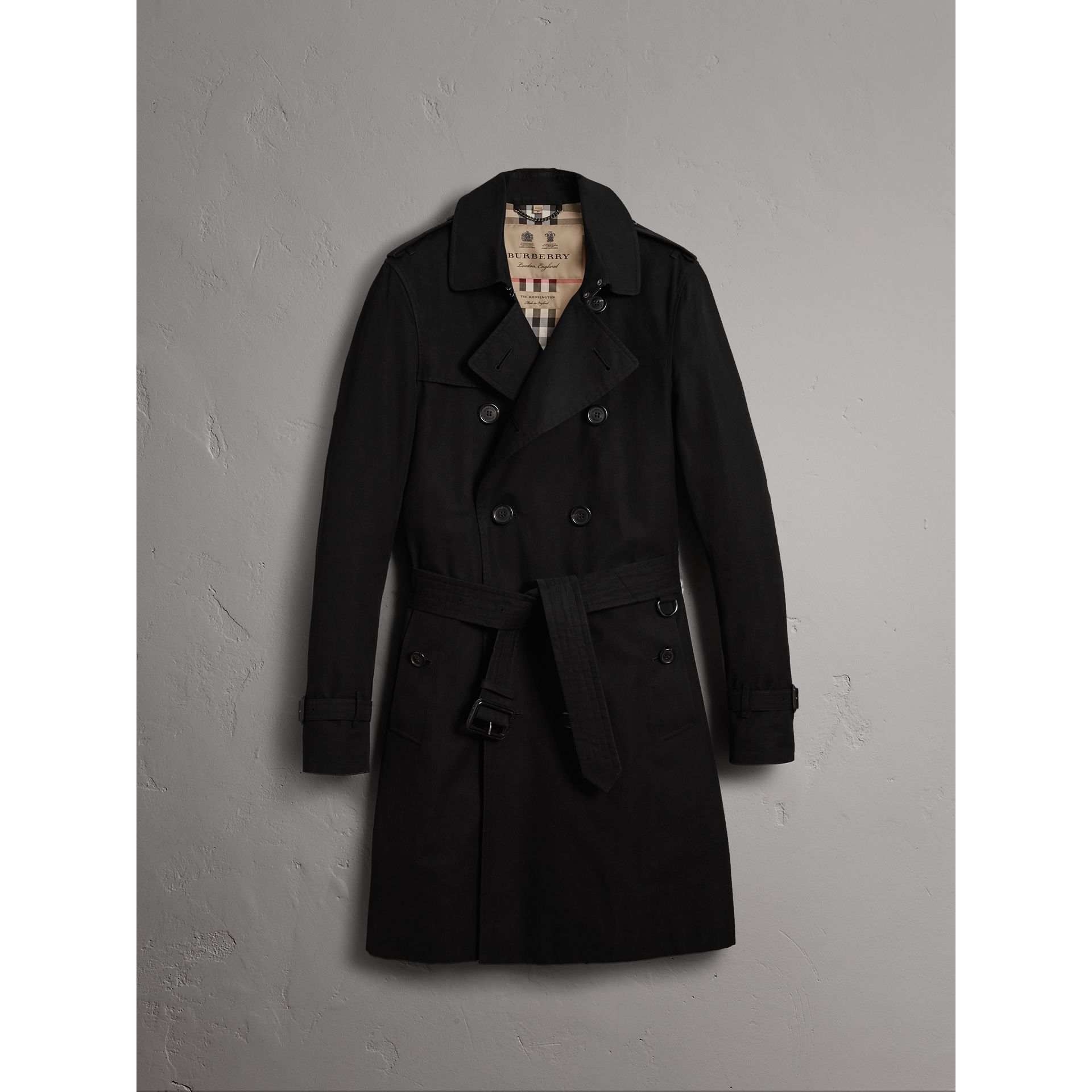 The Sandringham – Long Trench Coat in Black - Men | Burberry Singapore - gallery image 3
