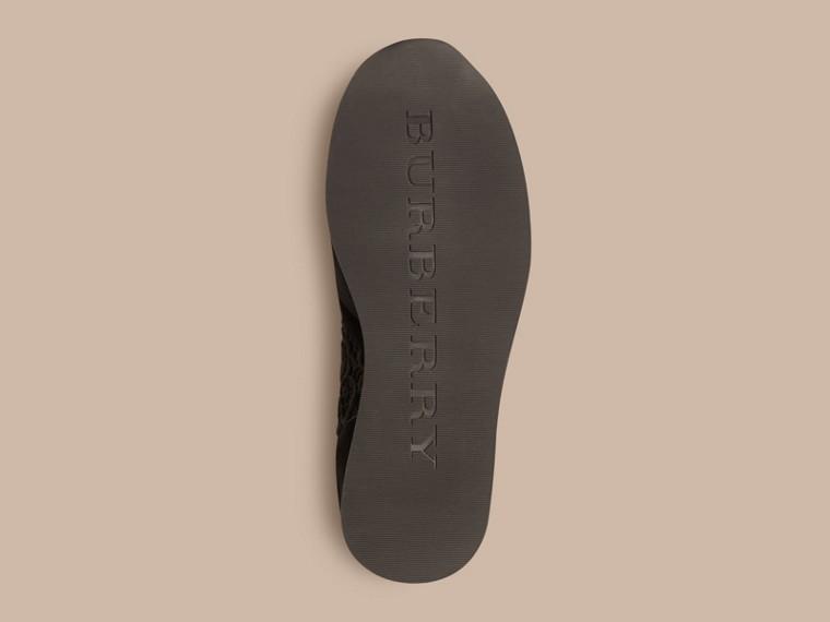 黑色 The Field 蕾絲與麂皮野地運動鞋 - cell image 4