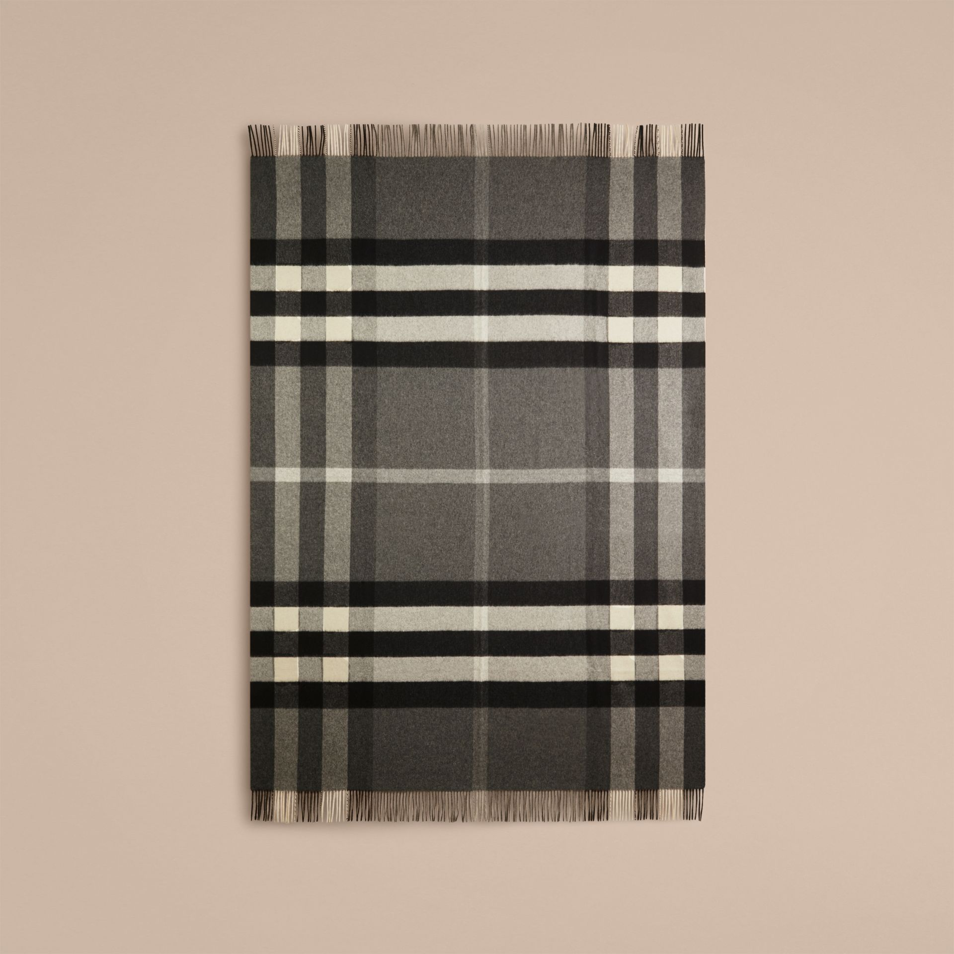 Check Cashmere Blanket in Mid Grey | Burberry Canada - gallery image 3
