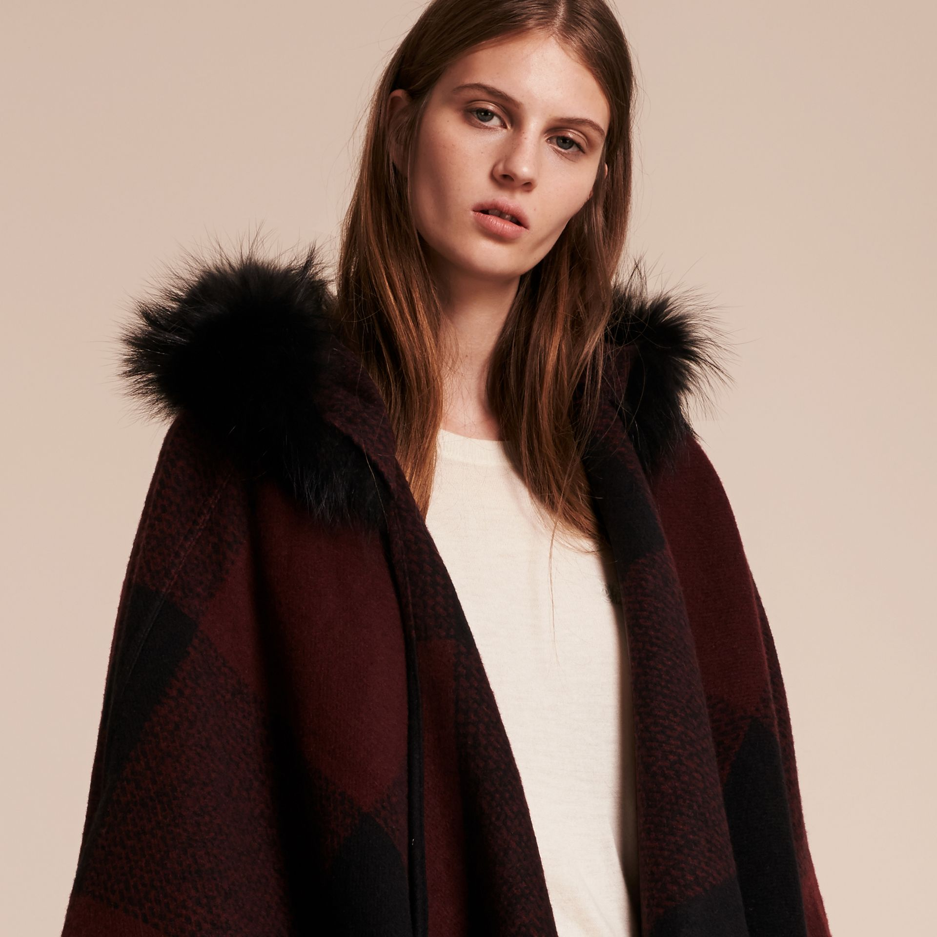 Claret Fur-trimmed Buffalo Check Wool Cashmere Poncho Claret - gallery image 6