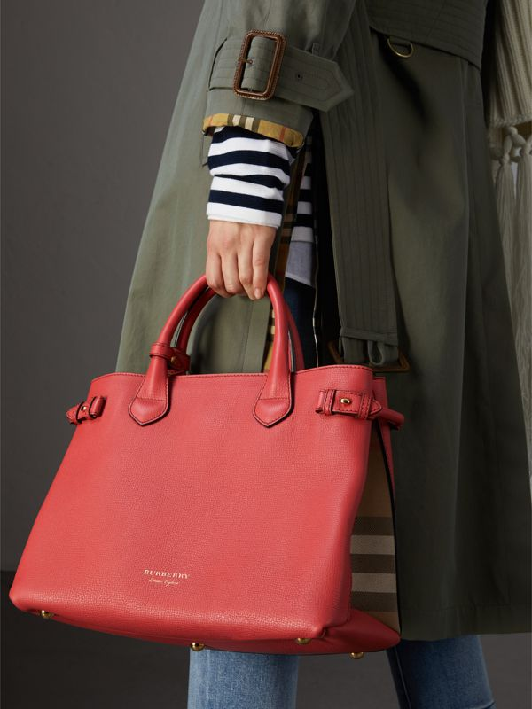 The Medium Banner in Leather and House Check in Cinnamon Red - Women | Burberry United Kingdom - cell image 2