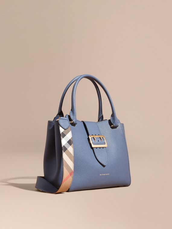Borsa tote The Buckle media in pelle a grana Blu Acciaio
