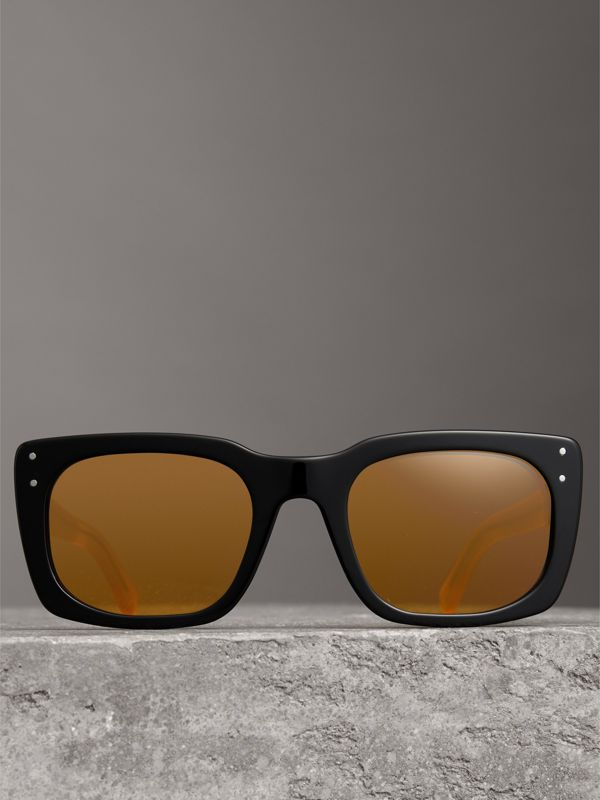 Square Frame Sunglasses in Black - Women | Burberry Canada - cell image 3