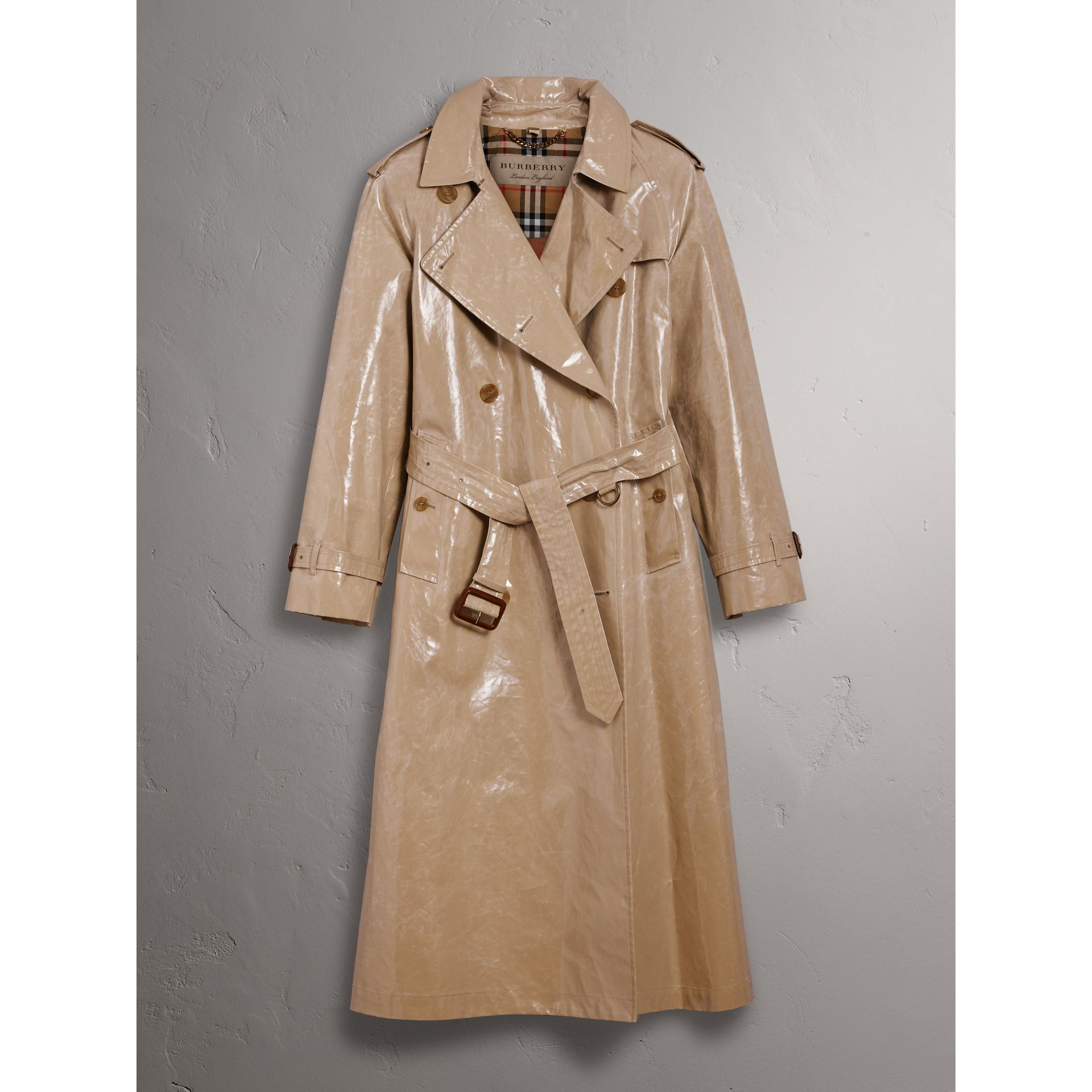 Raglan-sleeve Laminated Gabardine Trench Coat in Honey - Women | Burberry United Kingdom - gallery image 3