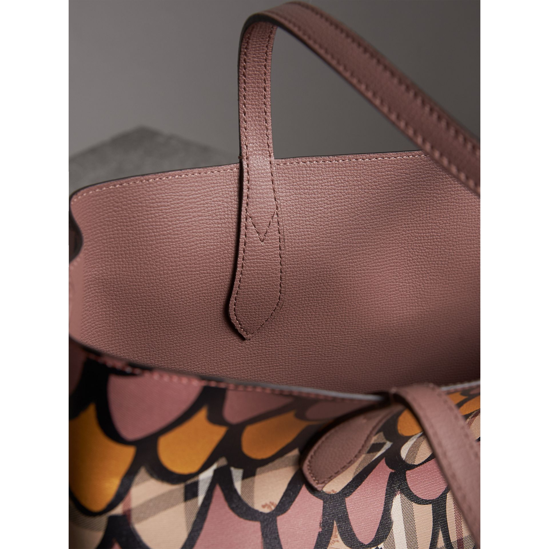 The Medium Reversible Tote in Trompe L'oeil Print in Light Elderberry - Women | Burberry United States - gallery image 6