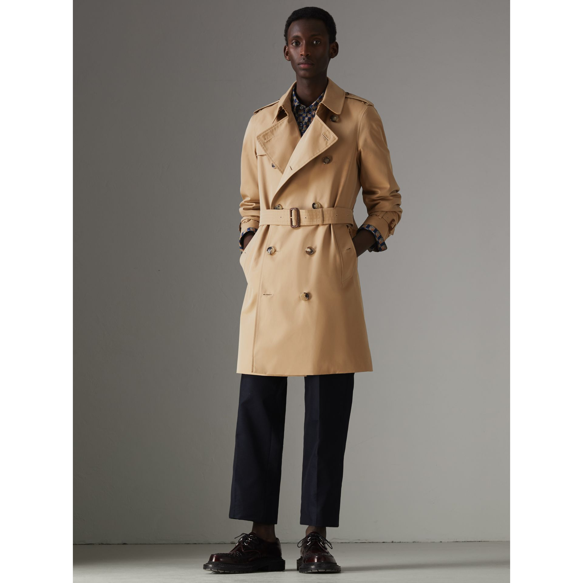 The Chelsea Heritage Trench Coat in Honey - Men | Burberry United Kingdom - gallery image 7