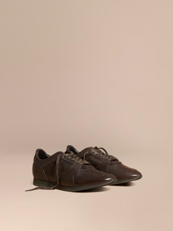 The Field Sneaker in Leather Peppercorn