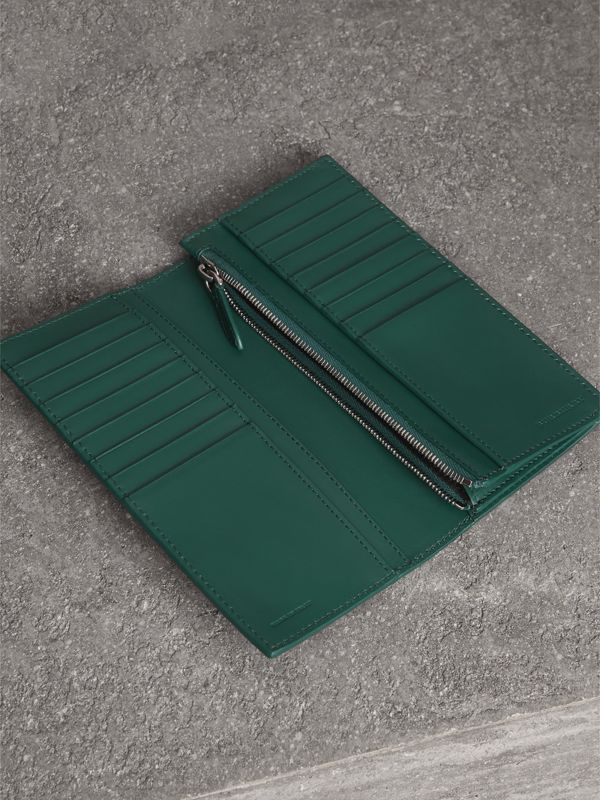 Grainy Leather Continental Wallet in Dark Cyan - Men | Burberry Singapore - cell image 3