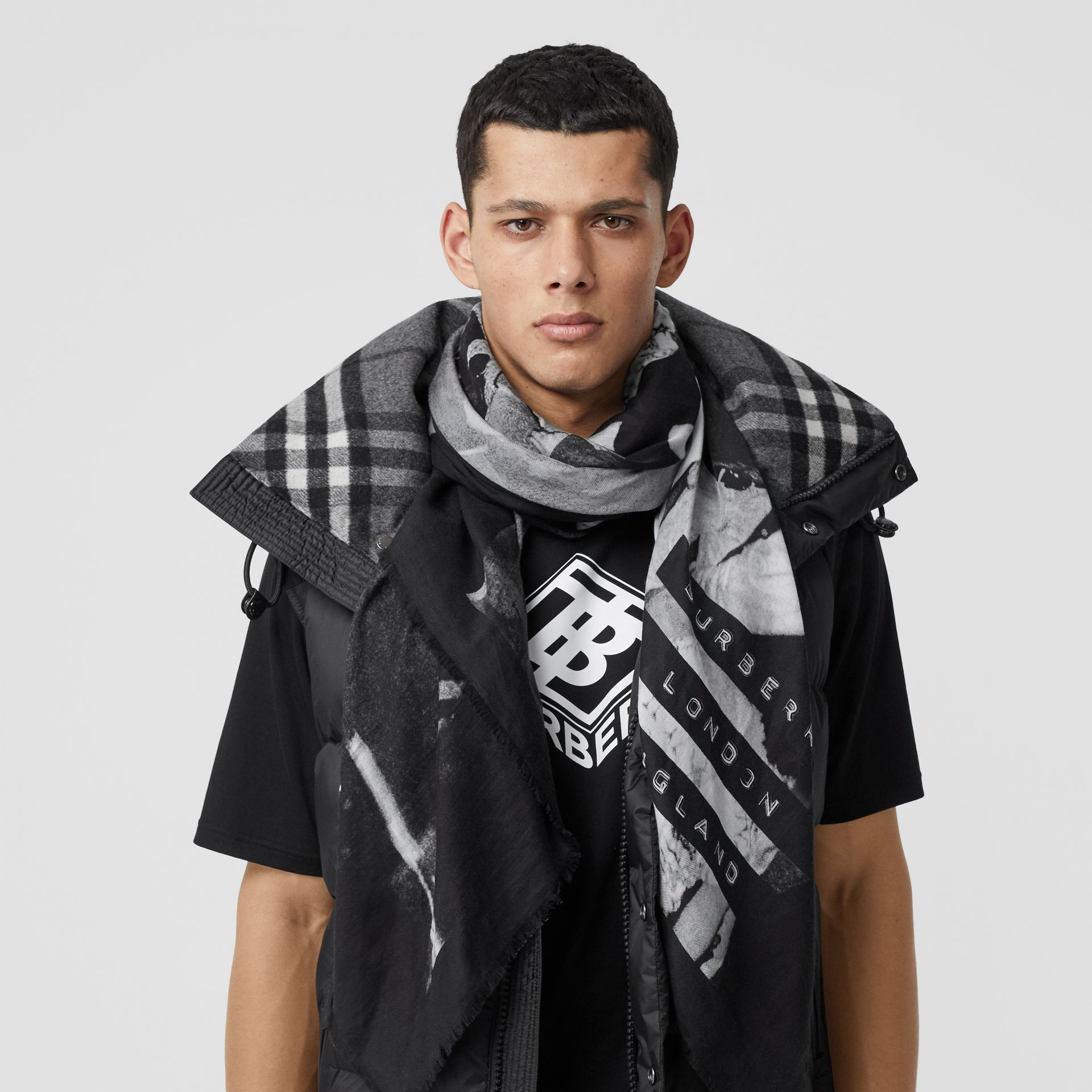 Rave Print Cotton Silk Large Square Scarf in Black | Burberry - gallery image 3