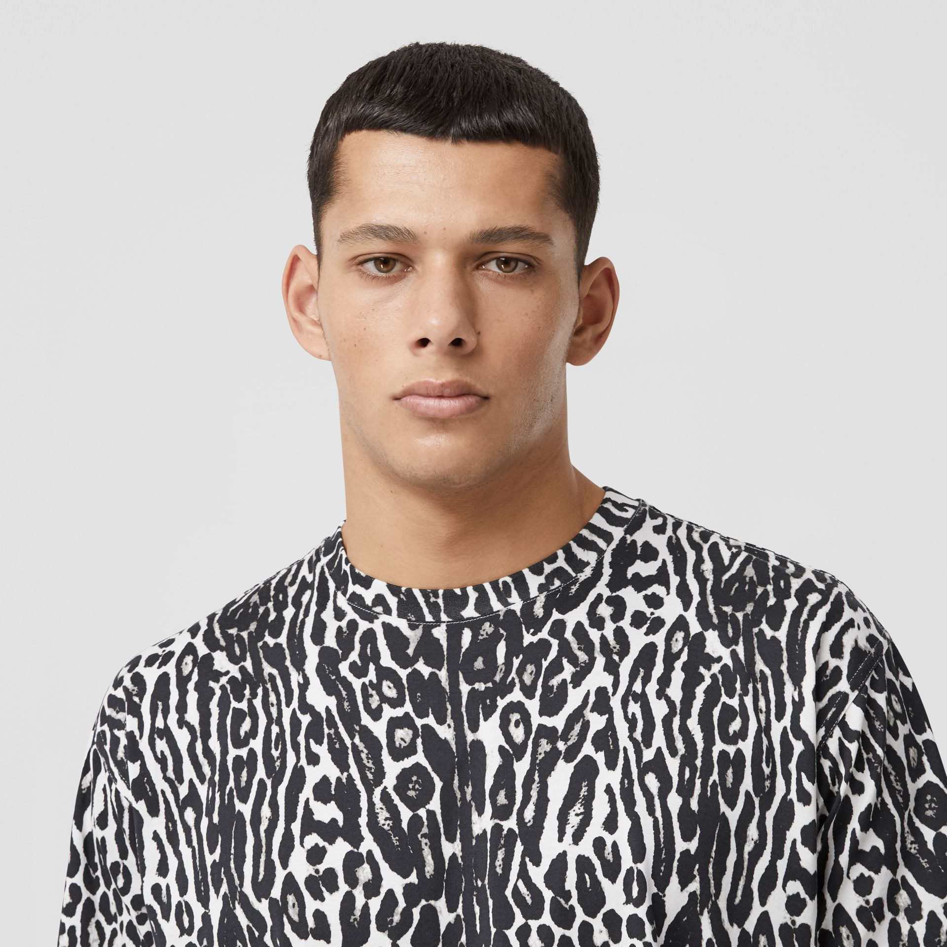 Leopard Print Cotton Oversized T-shirt in Black - Men | Burberry - gallery image 1