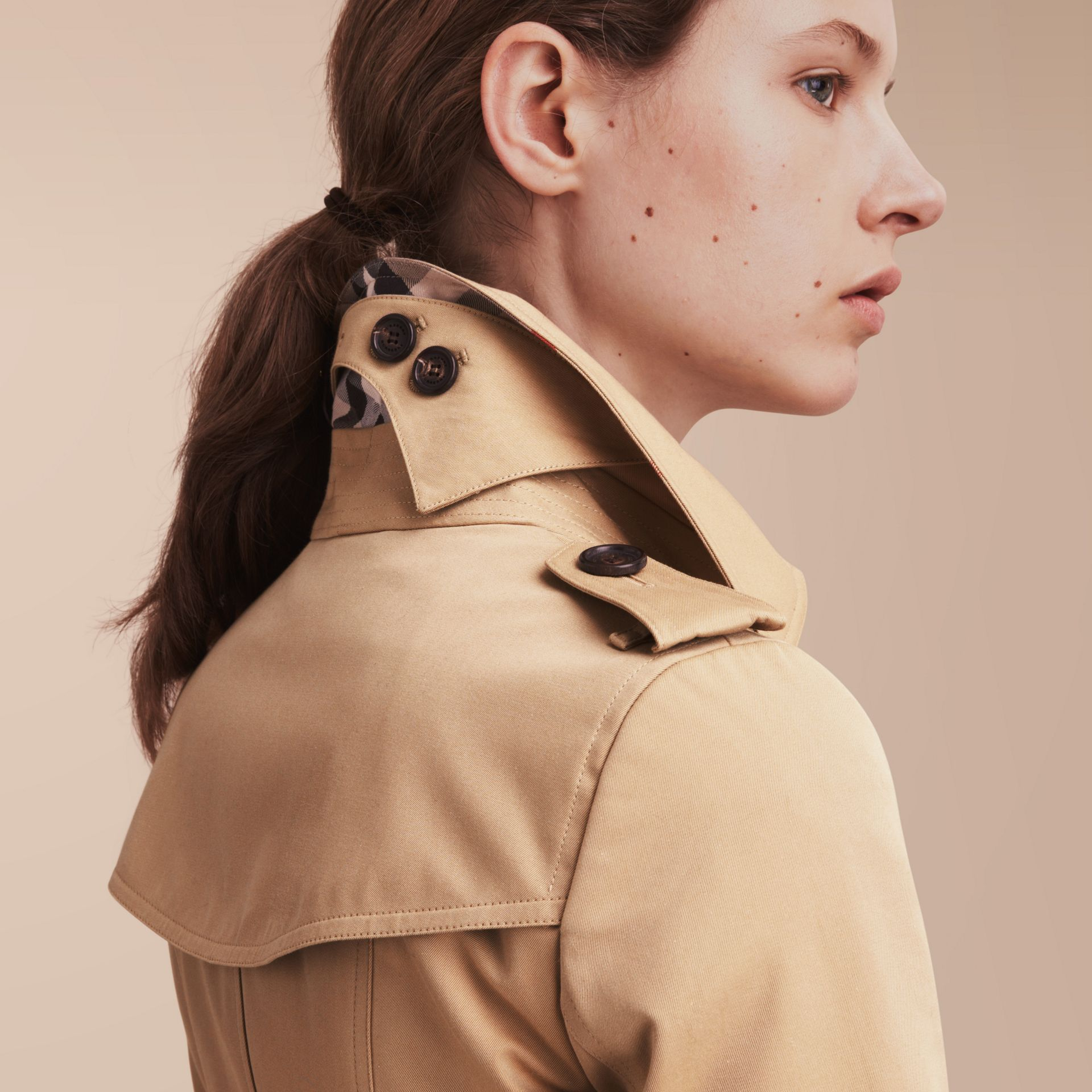 The Chelsea – Short Heritage Trench Coat in Honey - gallery image 5