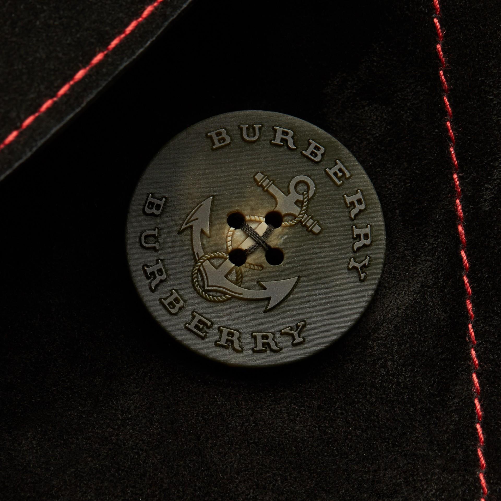 Nero Pea coat in pelle scamosciata con sopracollo in shearling - immagine della galleria 2