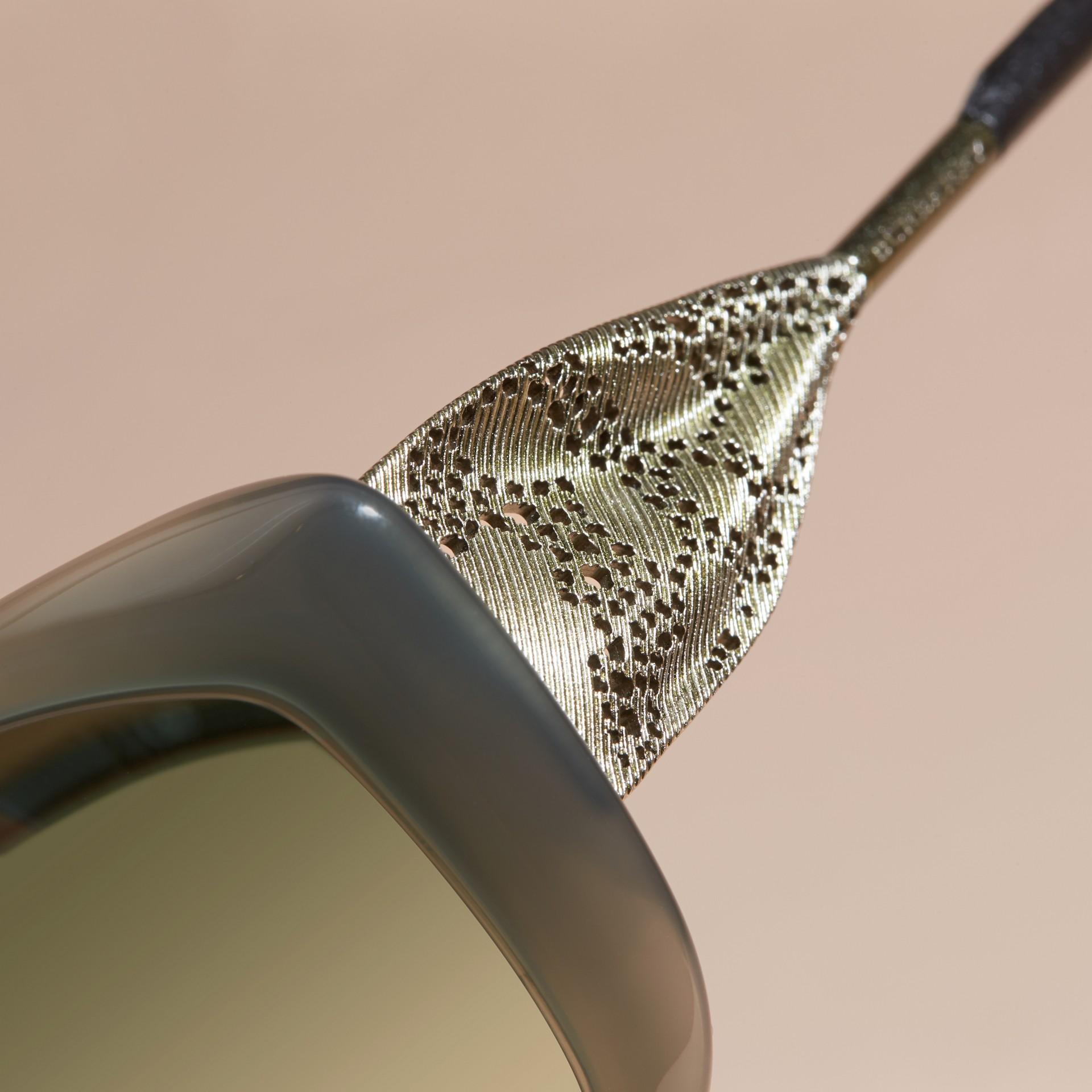 Verde ópalo Gafas de sol con montura cuadrada de la colección Encaje de gabardina Verde Ópalo - imagen de la galería 2