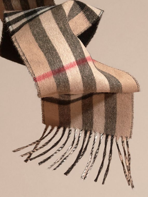 Camel/black The Slim Reversible Cashmere Scarf in Check Camel/black - cell image 3