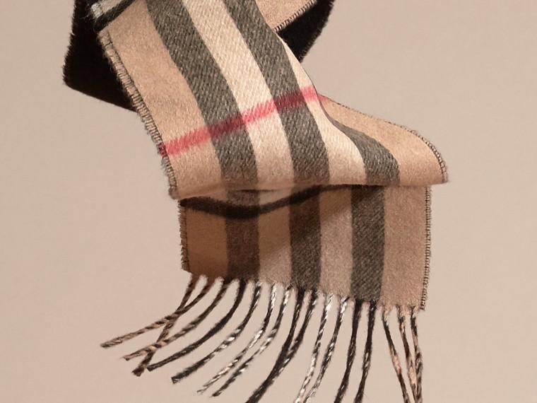 Cammello/nero Sciarpa double face sottile in cashmere con motivo check Cammello/nero - cell image 4