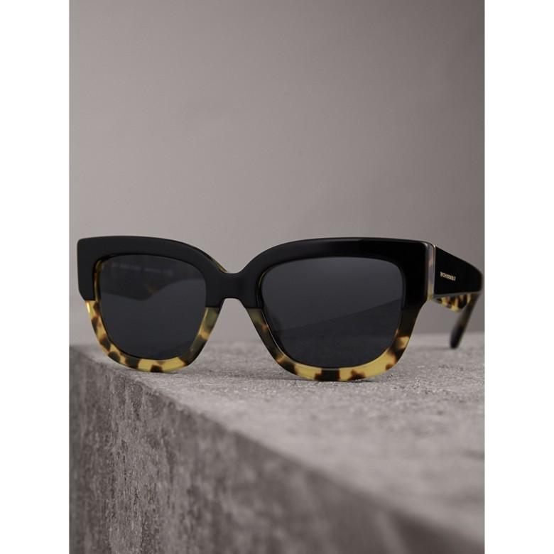 Burberry - Lunettes de soleil à monture carrée bicolore - 3