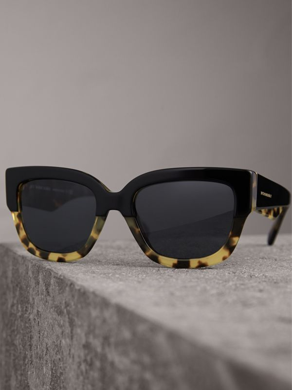 Two-tone Square Frame Sunglasses in Black - Women | Burberry Australia - cell image 2