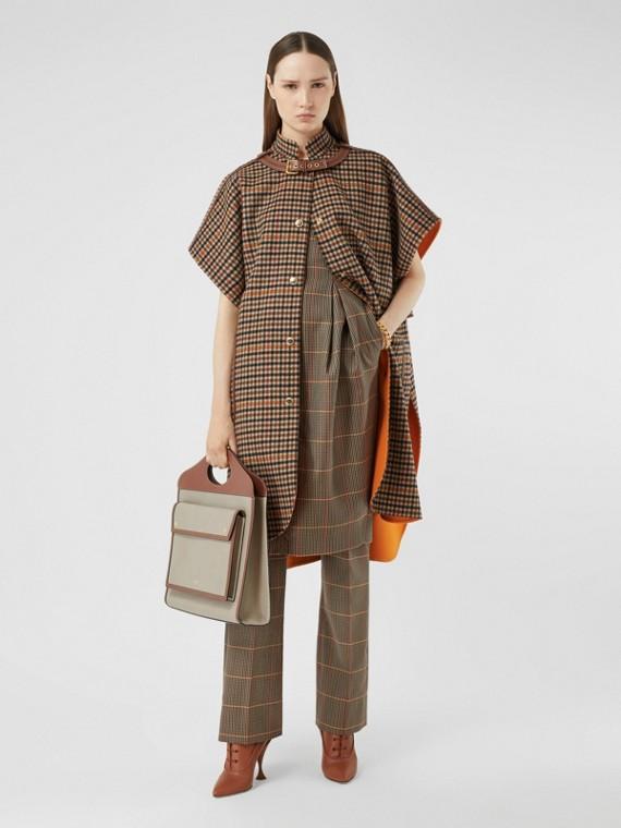 Capa em dupla camada de lã com estampa xadrez (Laranja Intenso)