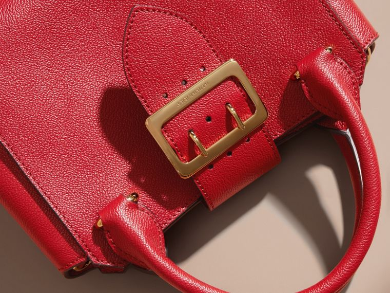 The Small Buckle Tote in Grainy Leather in Parade Red - Women | Burberry - cell image 1