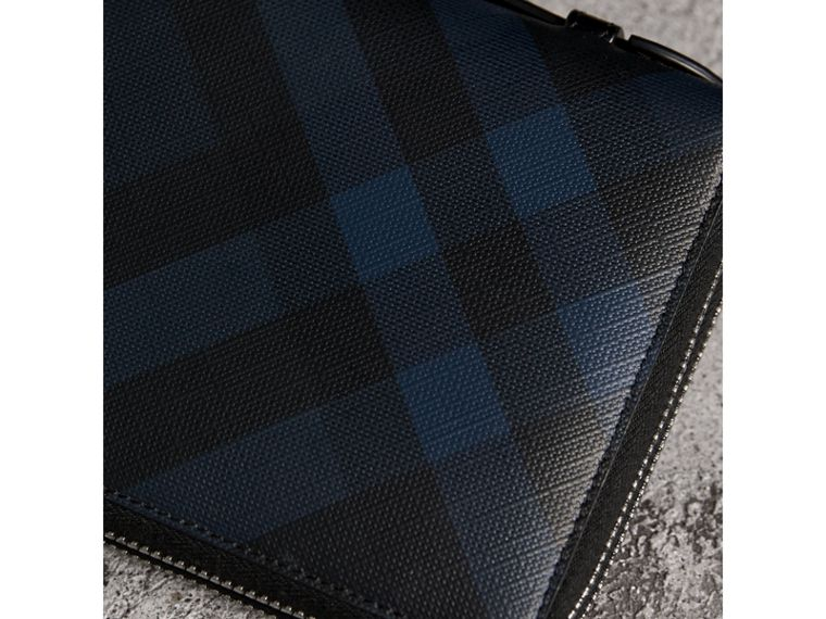 London Check Travel Wallet in Navy/black - Men | Burberry Hong Kong - cell image 1