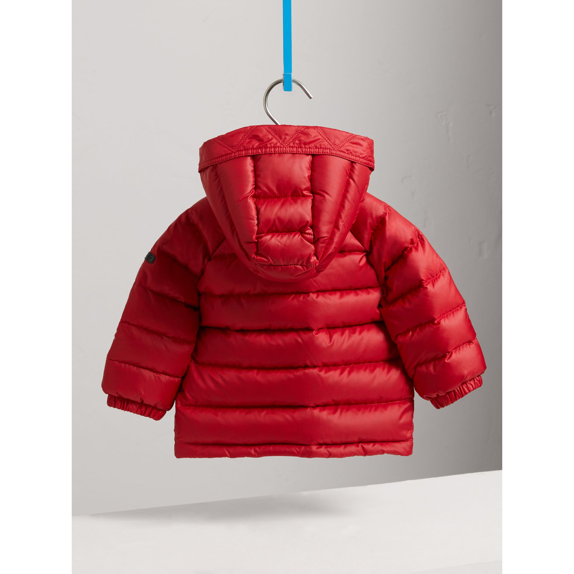Doudoune courte imperméable à capuche (Rouge Parade) | Burberry Canada - photo de la galerie 3