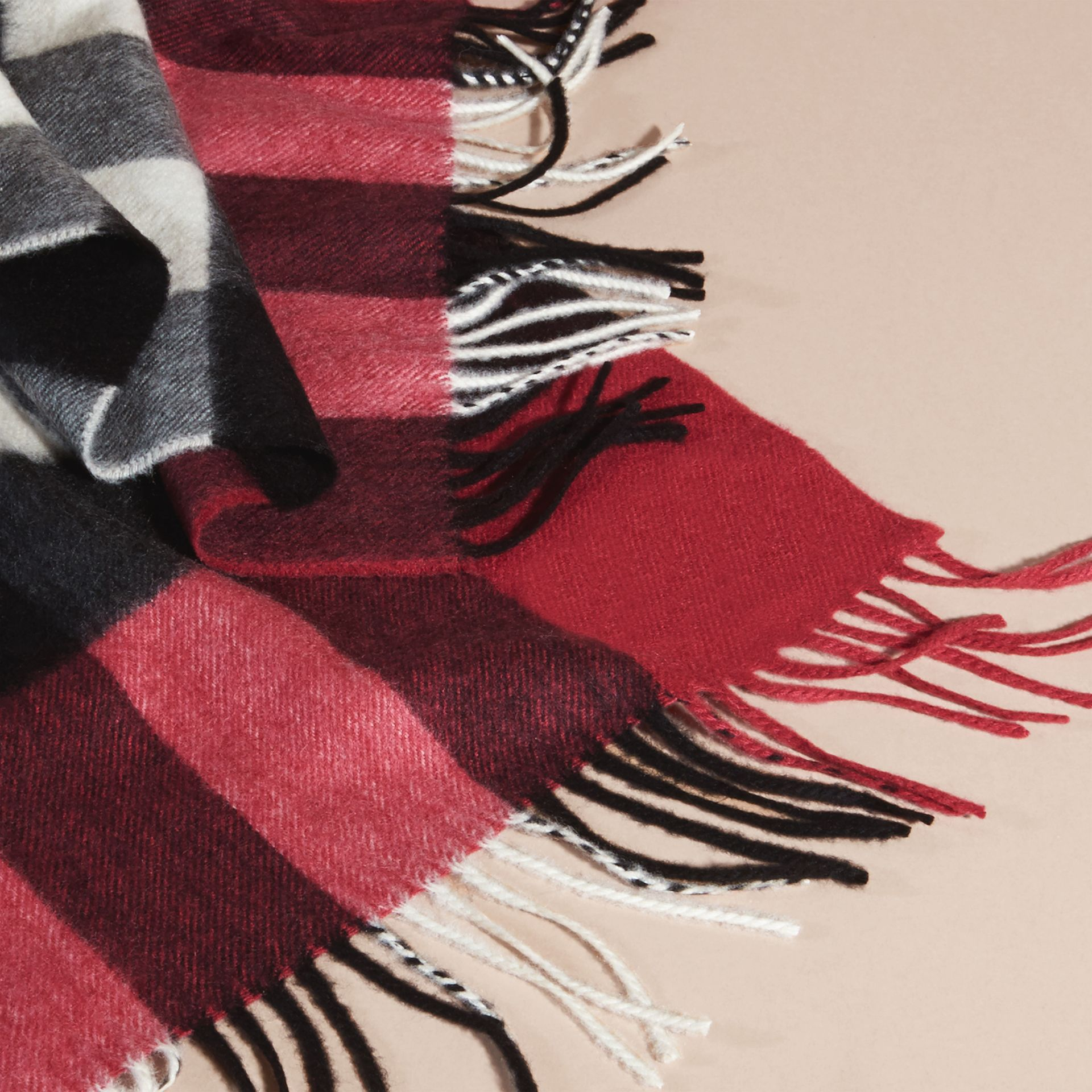 The Large Classic Cashmere Scarf in Check Fuchsia Pink - gallery image 5