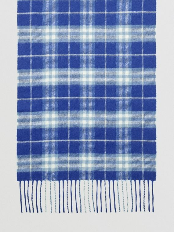 The Classic Vintage Check Cashmere Scarf in Bright Lapis