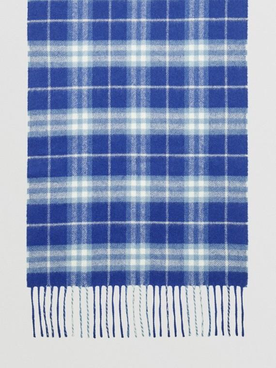 Der klassische Kaschmirschal mit Vintage Check-Muster (Leuchtendes Lapisblau)