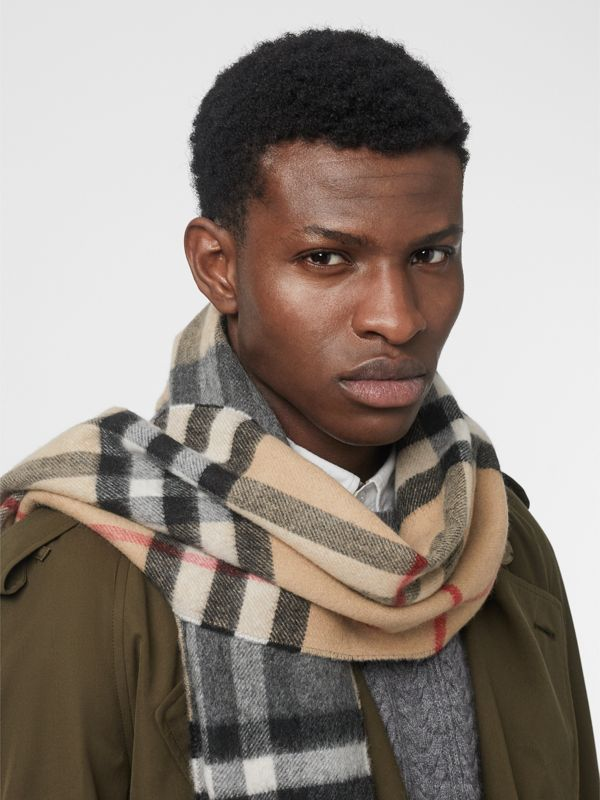 Long Reversible Check Double-faced Cashmere Scarf in Pewter Grey | Burberry Australia - cell image 3