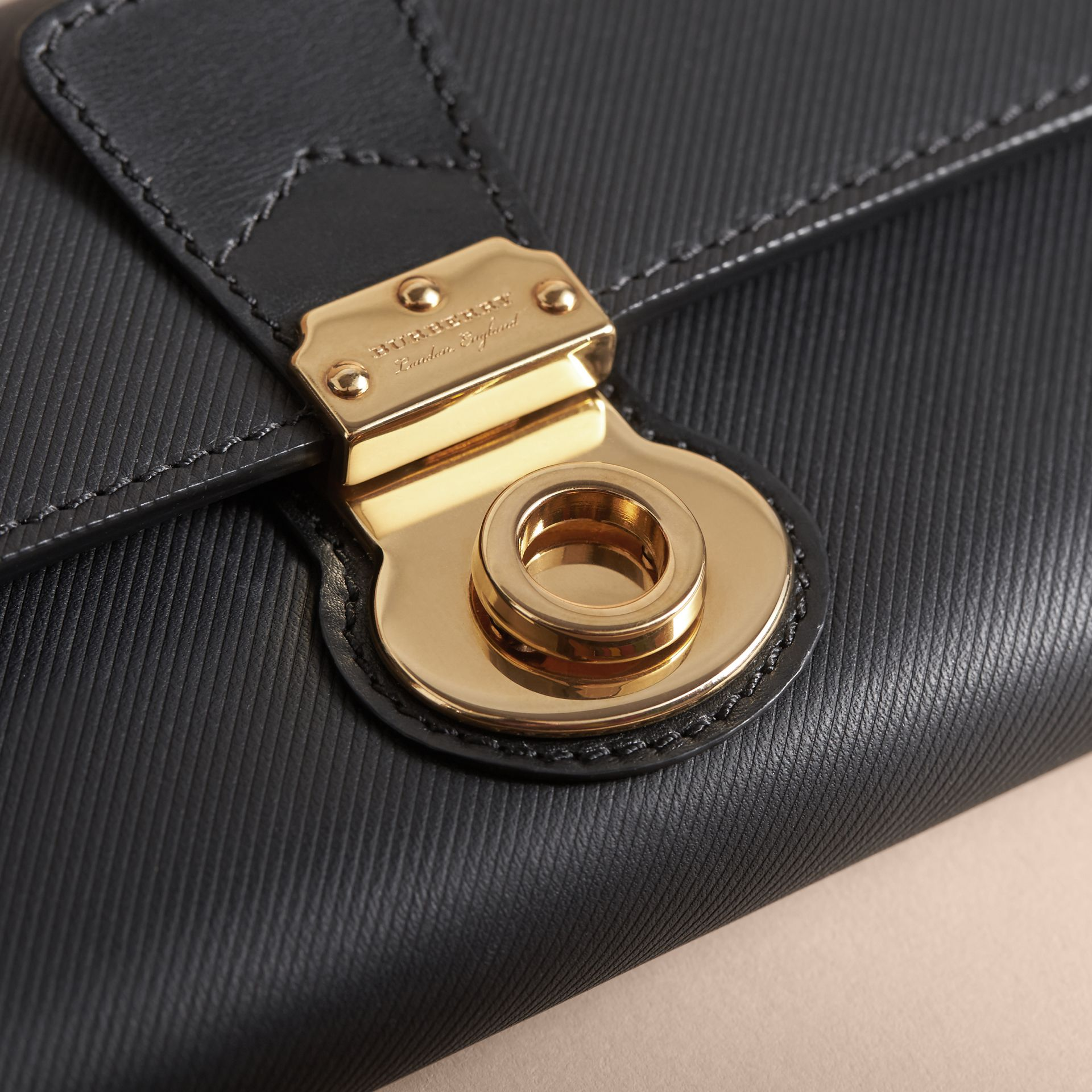 Trench Leather Continental Wallet in Black - Women | Burberry - gallery image 2